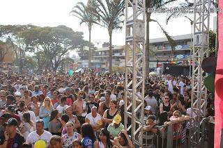 IMG 9876 - 13ª Parada do Orgulho LGBT Contagem reuniu milhares de pessoas