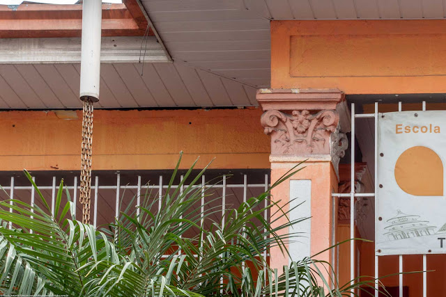 casa na Rua Alferes Poli - detalhe