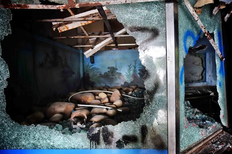Hồ Thuỷ Tiên, ho thuy tien, ho thuy tien water park, ho thuy tien waterpark, water park in vietnam, vietnam water park, abandoned waterpark vietnam, abandoned water park vietnam, abandoned water park hue, vietnam abandoned water park, abandoned water park in vietnam,