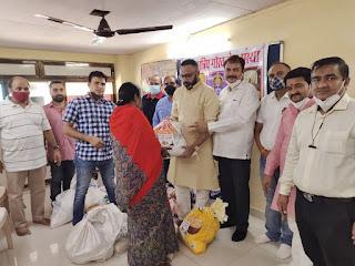 क्षत्रिय गौरव सेवा संस्था द्वारा 250 जरूरतमंदों को खाद्य सामग्री भेंट  | #NayaSaberaNetwork