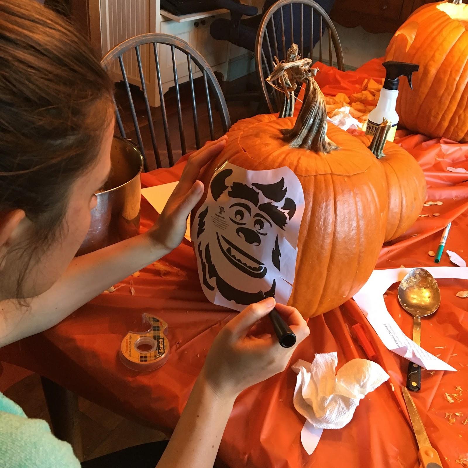 Dan the Pixar Fan: Events: Pixar Themed Pumpkin Carving (2016)