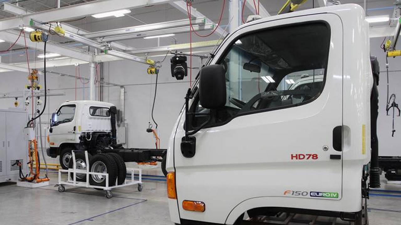 Prevén reanudar producción empresas en Querétaro, México - Economía