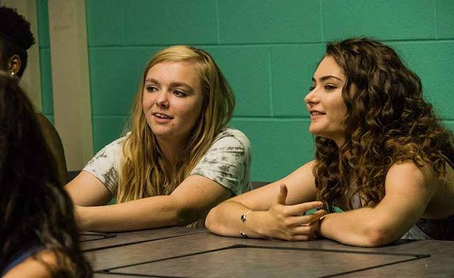 10 أفلام متعددة التصنيفات تناولت تأثير الإنترنت ومواقع التواصل الاجتماعي فيلم eighth grade
