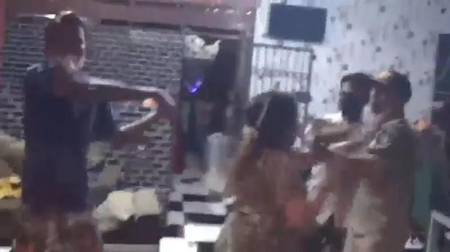 Razia PPKM Ricuh, Petugas Dilempar Gelas, Kursi dan Pisau oleh Pemilik Cafe