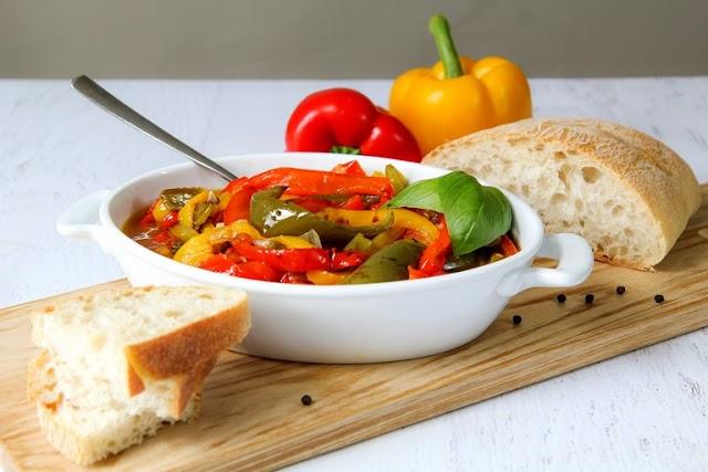 Peperonata - simple quick easy Italian vegetarian recipe