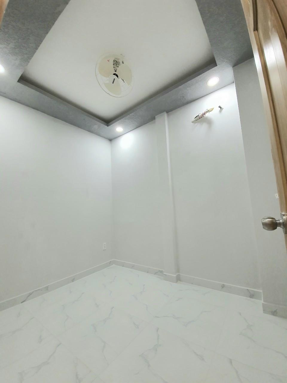 Bán nhà hẻm 125 Nguyễn Thị Tần phường 1 Quận 8 giá 2 tỷ 080 gần chợ Rạch Ông