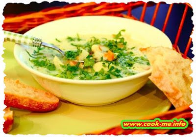 Cauliflower soup with sour cream