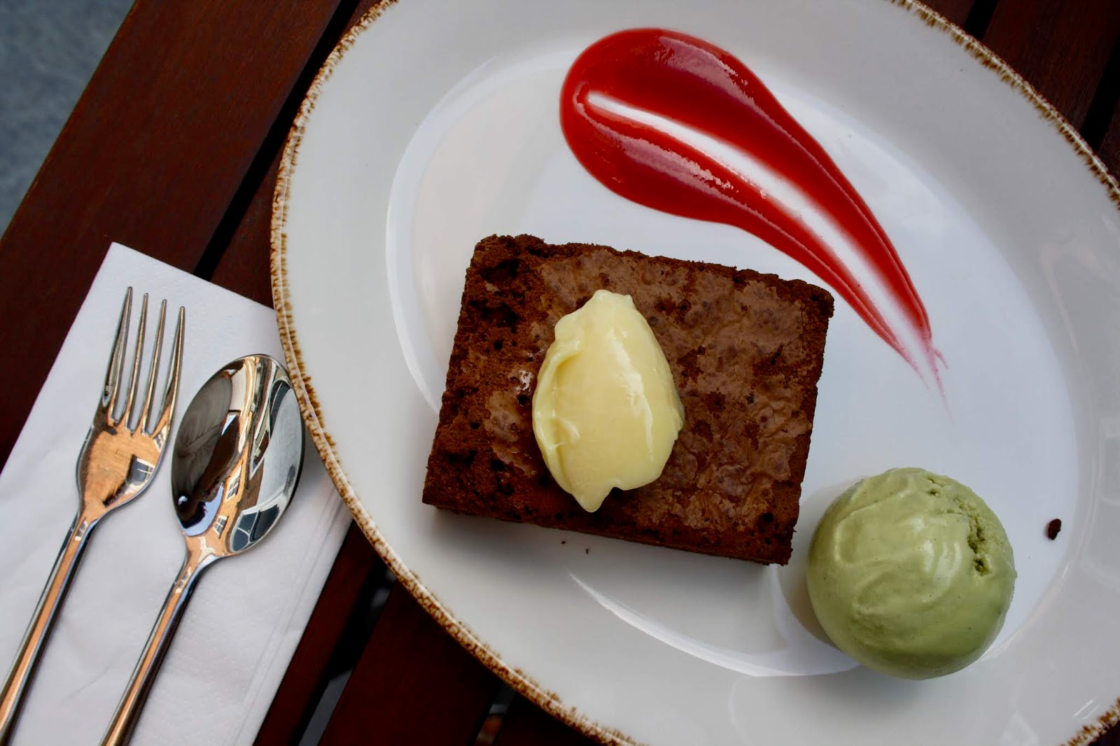 Chocolate brownie with Judes pistachio ice cream at King Richard III chop house, Leicester