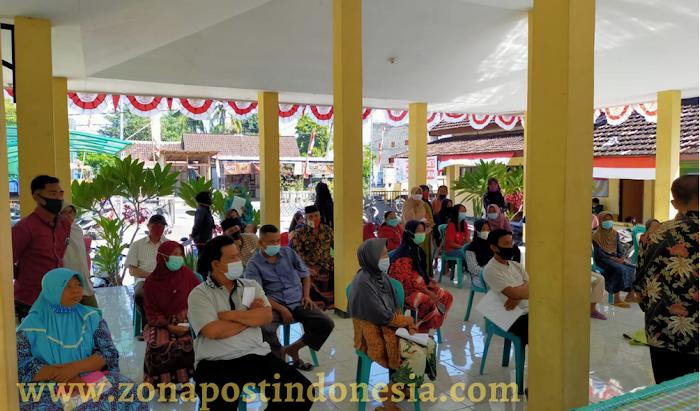 Kepala Desa Mangaran Lilik Linarno, Salurkan Bantuan Langsung Tunai Dana Desa Tahap ke 8 Dengan Total Penerima Sebanyak 50 KPM