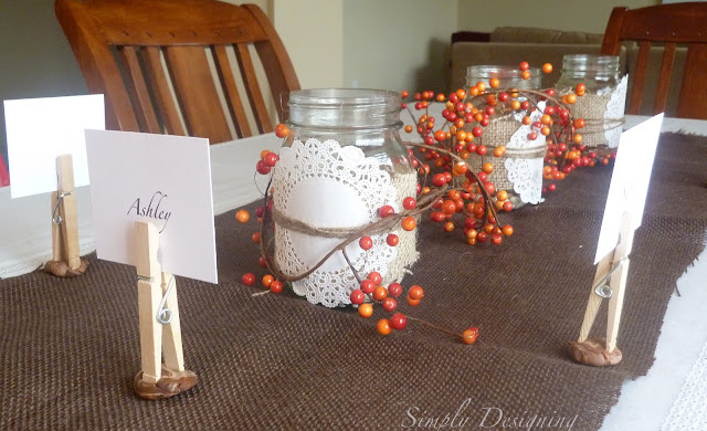 Thanksgiving Table Decor - simple and only cost pennies to create | Simply Designing #thanksgiving