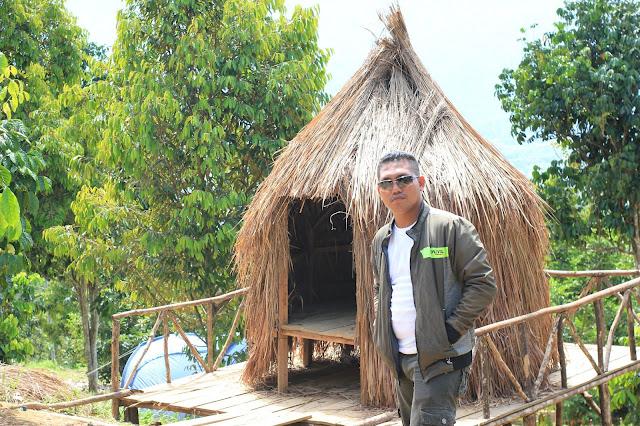 Spot Rumah Dayak / Jerami di Kebun Villa Ungu Kutacane - Aceh Tenggara