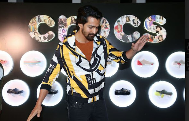 Harshvardhan Rane_ with Crocs at Grazia Millennials Awards 2019 where Crocs was the footwear partner- Resize
