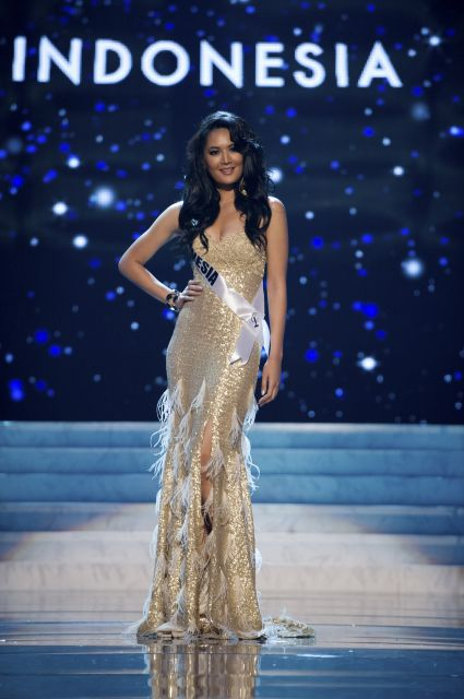 a264369f55ce Miss Indonesia Maria Selena: Here's another golden-colored gown and yes,  one of my favorites of the bunch...on Miss Universe Indonesia.