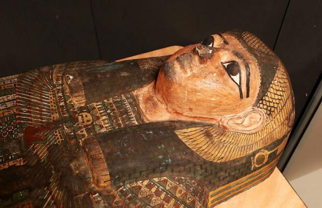 33 зуба, лишний позвонок и топор в спине: тайна египетской мумии раскрыта спустя почти два века