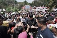 """Dihajar """"Buzzer Bayaran"""", Anies Banjir Dukungan"""