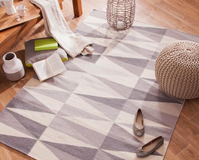 tapis rouge ou scandinave louise grenadine blog. Black Bedroom Furniture Sets. Home Design Ideas