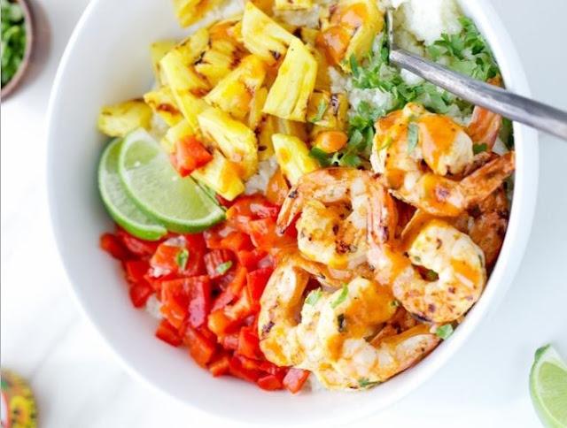 Spicy Shrimp Cauliflower Rice Bowl #healthy #dinner