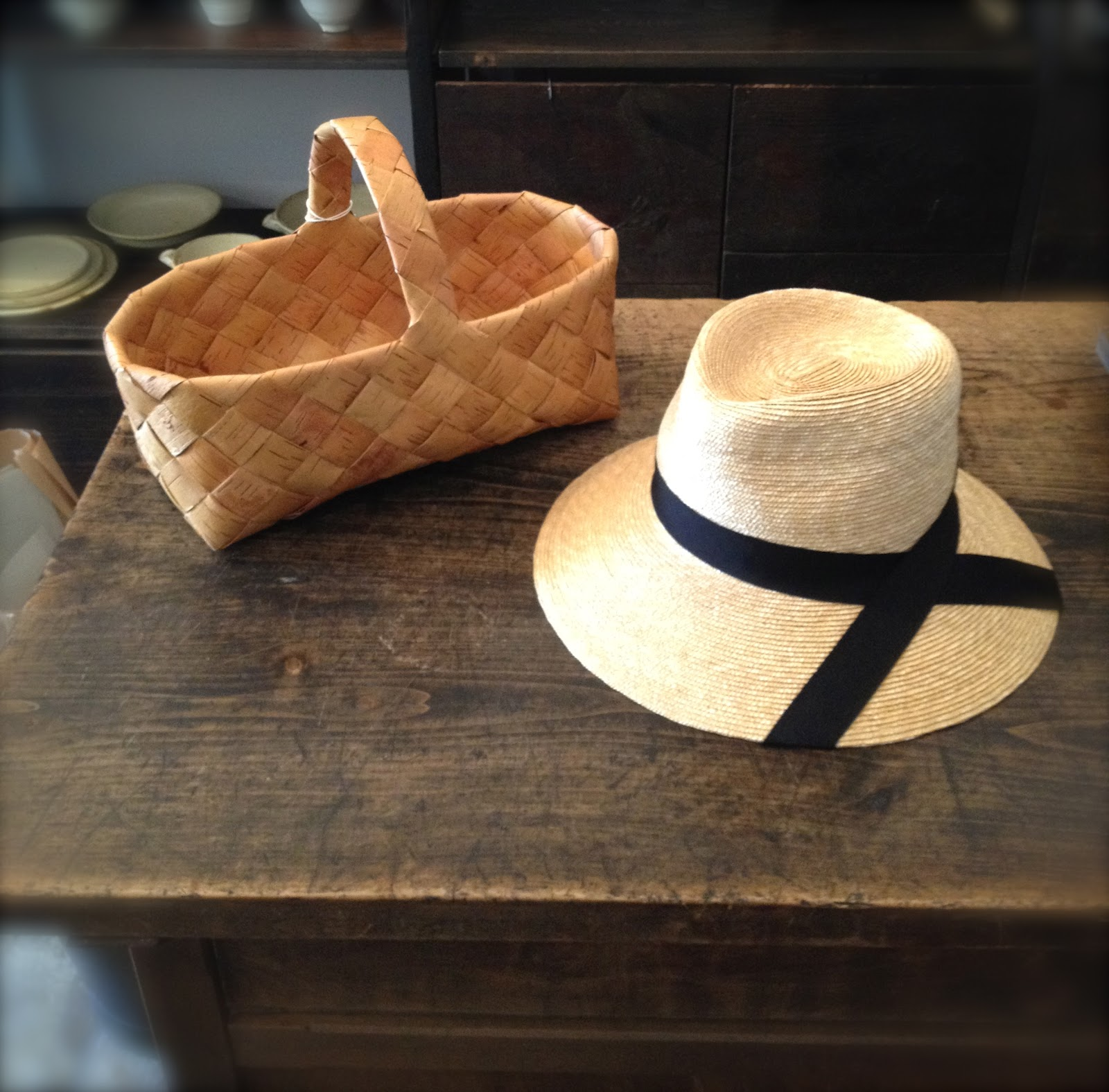 strawさんのお帽子は、どれも上品でかぶるヒトを 美しく見せるお帽子...  strawの帽子