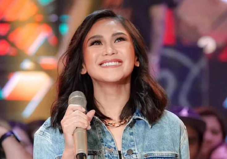 Sarah Geronimo stays exclusively with ABS-CBN.
