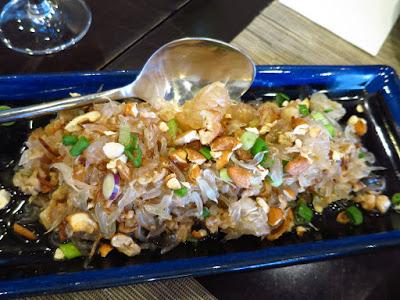 Sawadee Thai Cuisine, yum som o