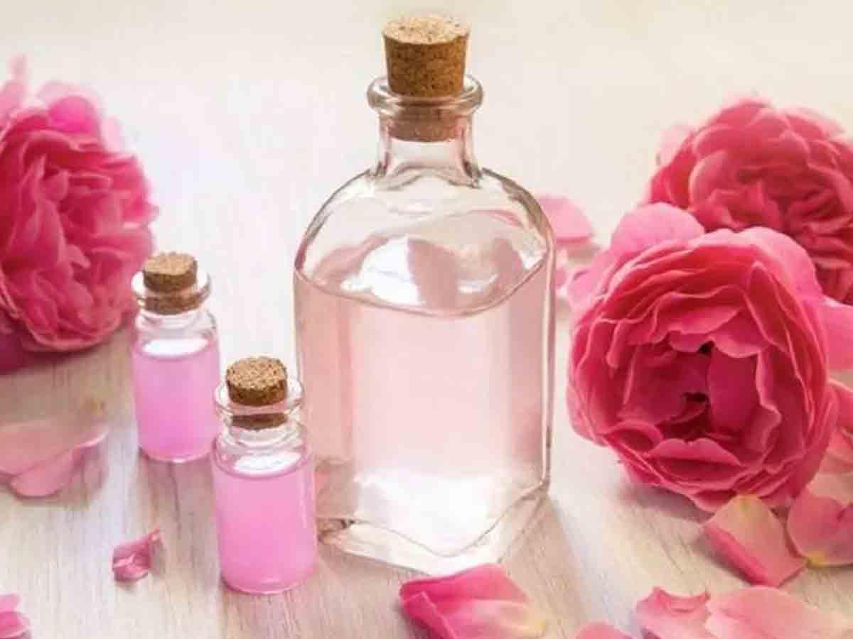 गुलाब जल शहद और आधा चम्मच नींबू का रस से फेस को चमकाने के आयुर्वेदिक तरीके
