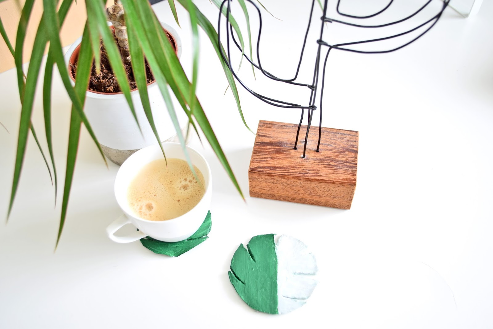 DIY CLAY COASTERS TROPICAL LEAVES