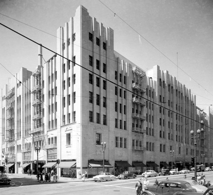 The Department Store Museum: The J W  Robinson Co , Los Angeles