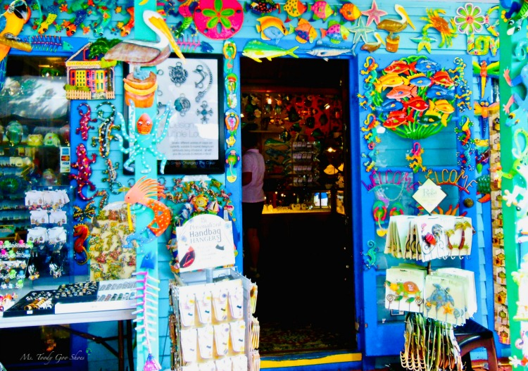 Are you seduced by a charming storefront? This one is in Key West, Florida | Ms. Toody Goo Shoes