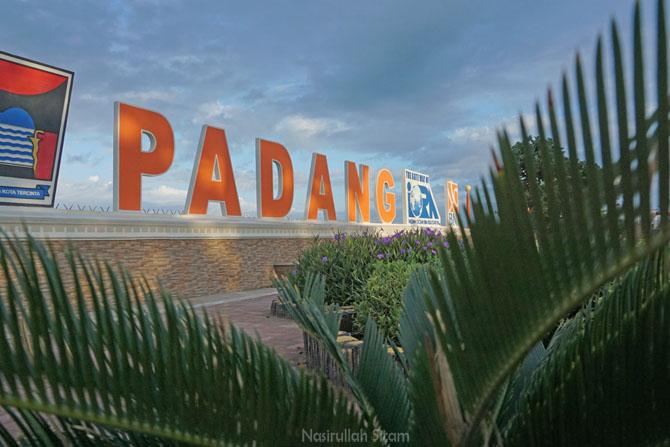 Landmark Pantai di Padang