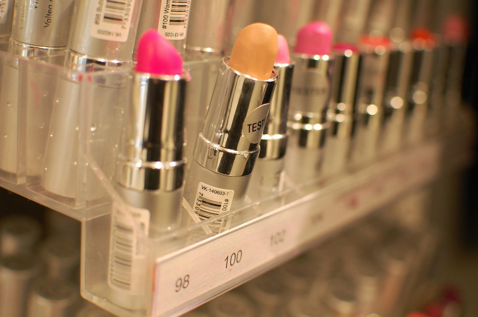 jak użyć szminkę, czy można zużyć szminkę
