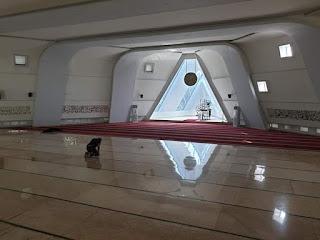 Polemik Simbol Iluminati dalam  Arsitektur Masjid As-Shafar