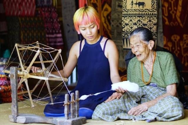 Takjub Dengan Budaya Toraja, Desainer Lenny Agustin Jadi Betah Tinggal di Tongkonan
