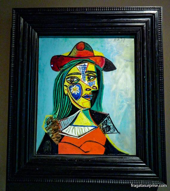 Mulher com chapéu e gola de pele, de Pablo Picasso, no MNAC de Barcelona