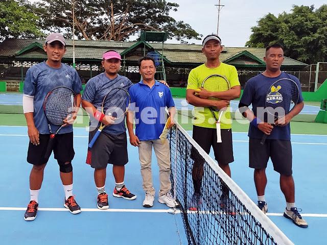 Kalahkan Edy Kus/Noor Iman, Ahmad Puryani/Sukimin Melenggang ke Semifinal KU 95 Kejuaraan Tenis KONI Kukar Open 2020