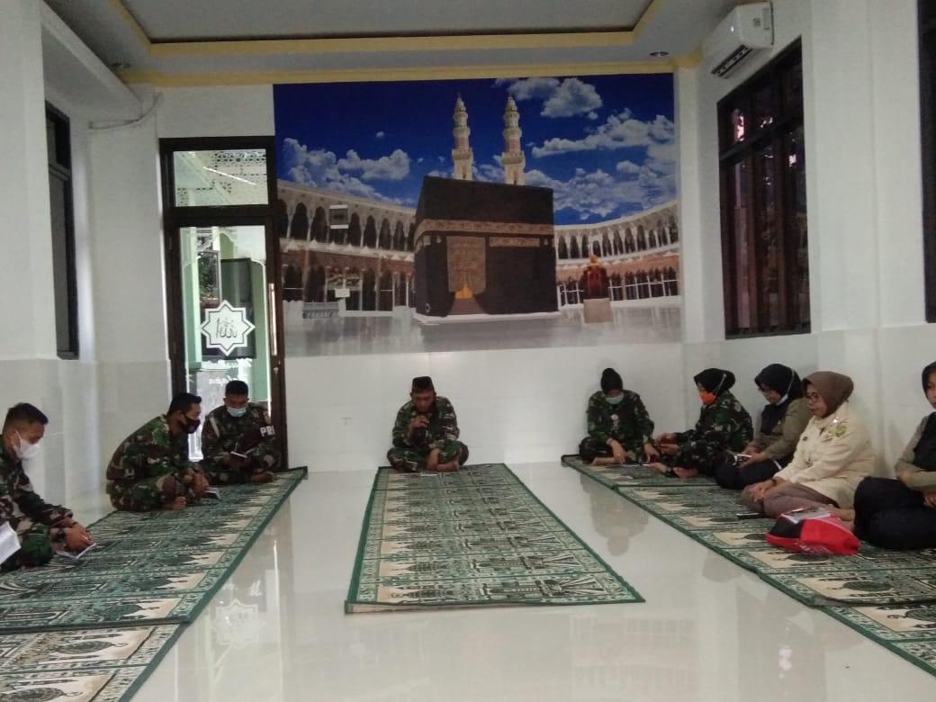 Kodim 0410KBL menggelar kegiatan rutin berupa Yasinan dan Do'a bersama yang diikuti oleh sejumlah personel Militer dan PNS Kodim 0410KBL