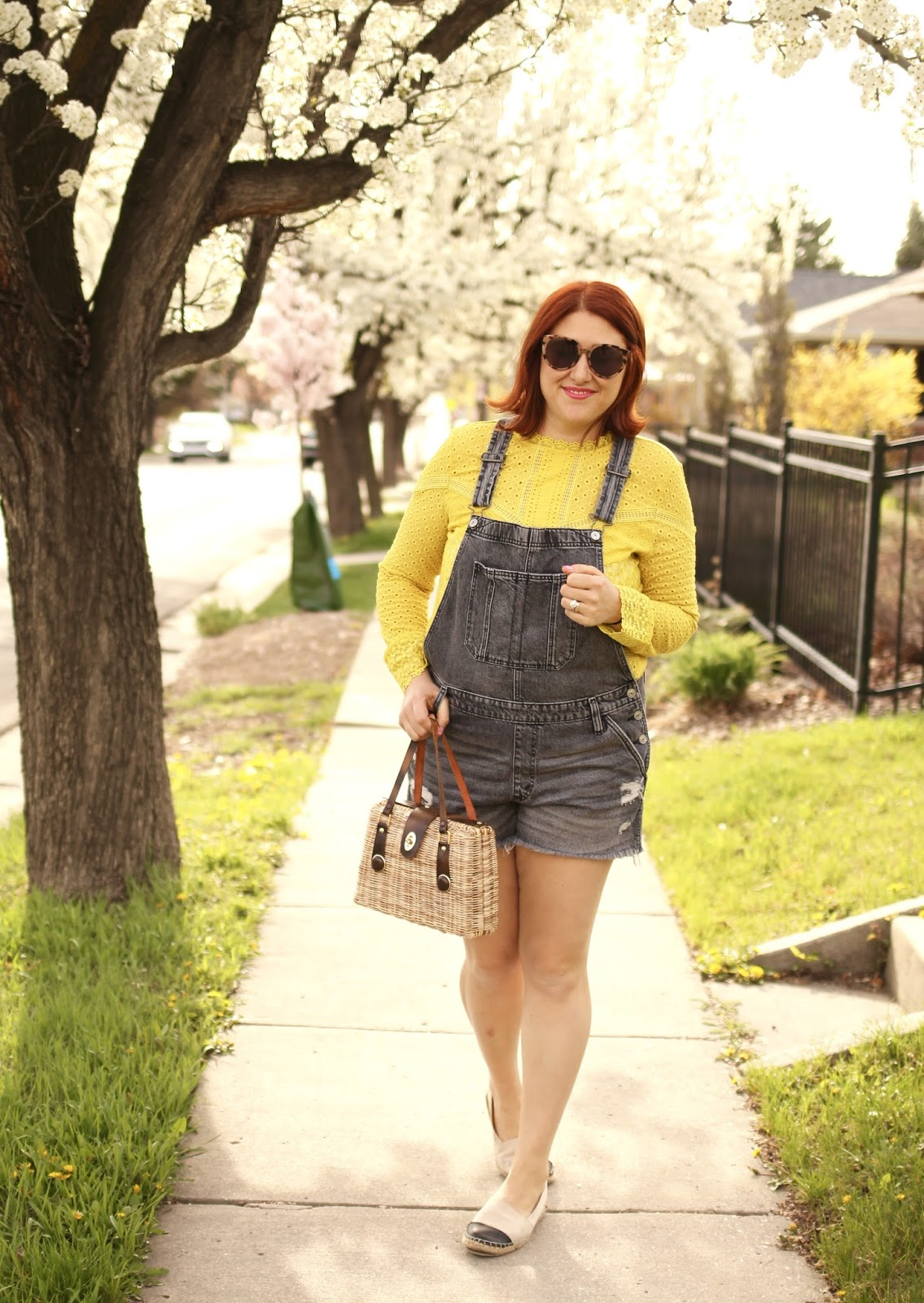 Abercrombie classic shortalls, yellow lace burnham anthropologie tee, Two tone espadrilles, vintage straw bag