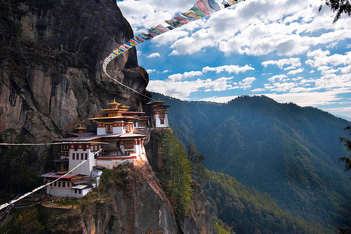 bhutan wallpaper travel tigers nest Paro Taktsang