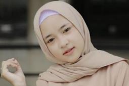 Nissa Sabyan – Deen Assalam + Lirik Lagu dan terjemahannya