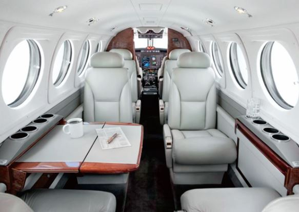 Beechcraft King Air B200 interior