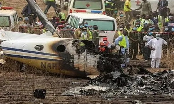 Military Plane Crashes in Mexico, Killing 6