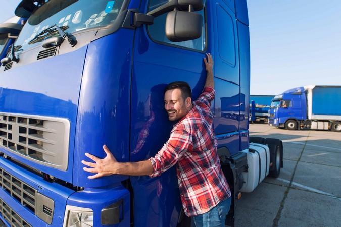 Gigantes do Asfalto: CAIXA detalha novos benefícios que serão oferecidos aos caminhoneiros