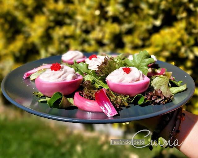 ous farcits, surimi, ous violeta, cuina casolana, tonyina, l'essència de la cuina