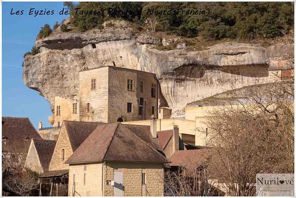 Les Eyzies de Tayac, un pueblecito del Perigord Negro en Francia