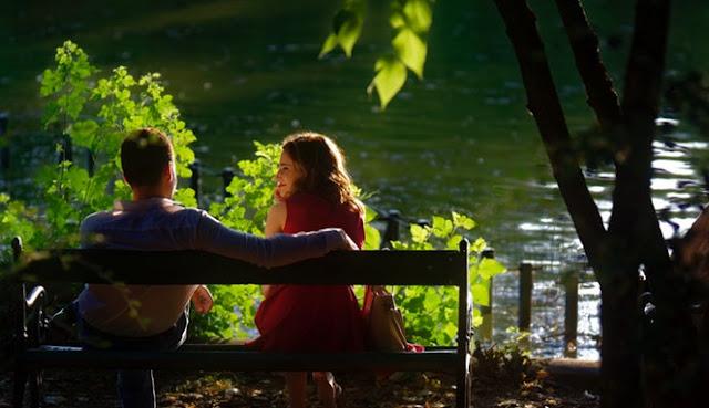 Inilah 5 Tanda Ketika Wanita Jatuh Cinta Kepada Pria
