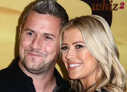 'Flip or Tumble' Star Christina Anstead Invites 2020 With Spouse Subterranean insect and Their Mixed Family 'Infatuated' Photograph