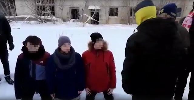 """""""На колени!"""" В Твери троих подростков забили толпой и сняли на видео"""