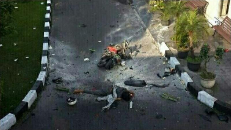 Penampakan pelaku bom bunuh diri yang tewas di Mapolresta Solo
