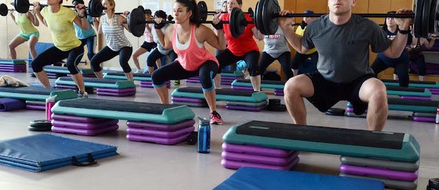 pesas y ejercicios, quemar caloría sanamente