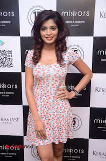 Actress Sanchita Shetty Pictures at Mirrors Salon App Launch Event 0008.JPG