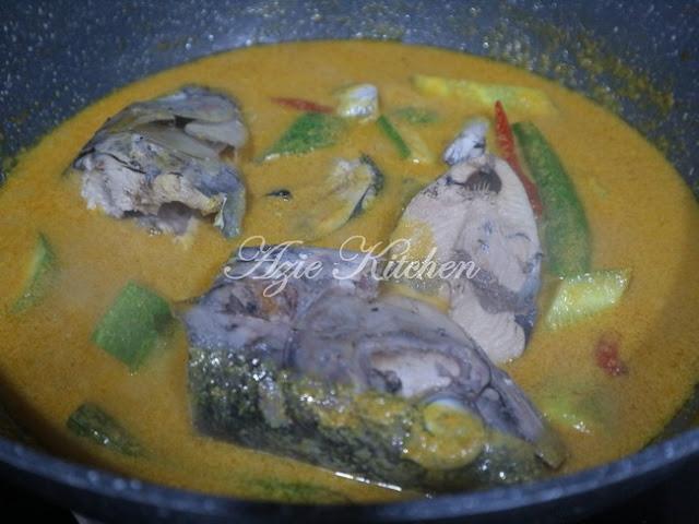 Gulai Ikan Nasi Berlauk Kelantan